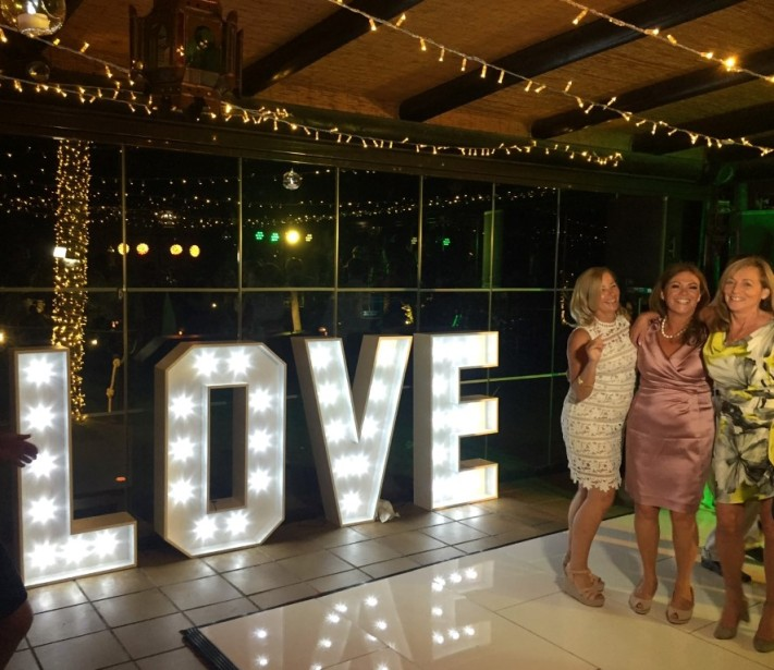 Letras gigantes para bodas Malaga