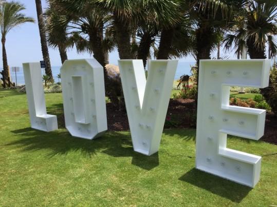 Letras de luces para bodas Marbella